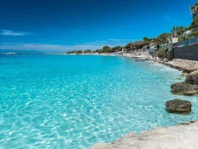 news in slow italian isola