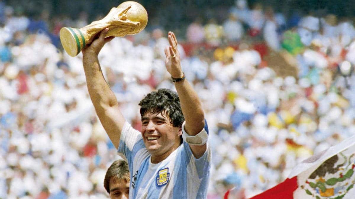 E morto Maradona