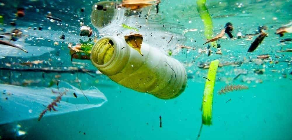 italia news plastic sea