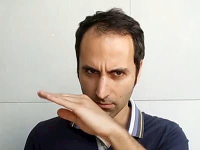 italian hand gesture sei pazzo